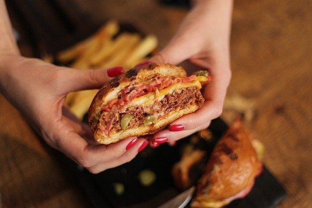plant-based-burger-640